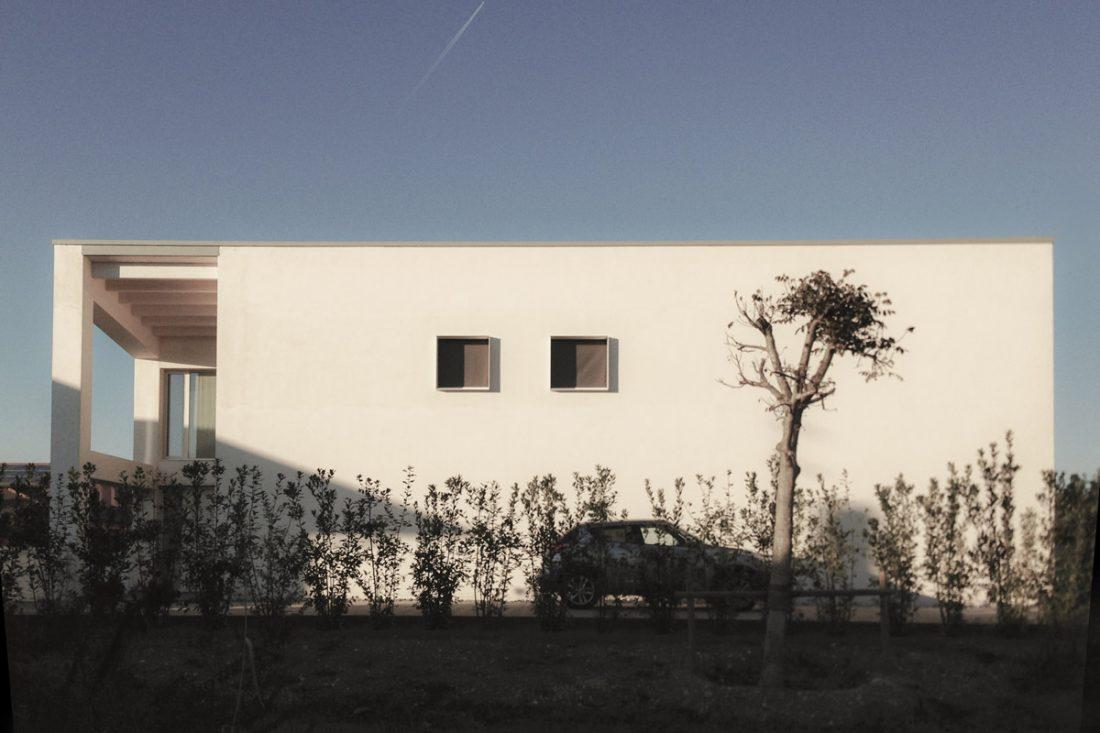 Vista esterna di una villa moderna realizzata nel padovano